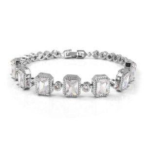 Jewelry - NWOT Simulated Diamond bracelet